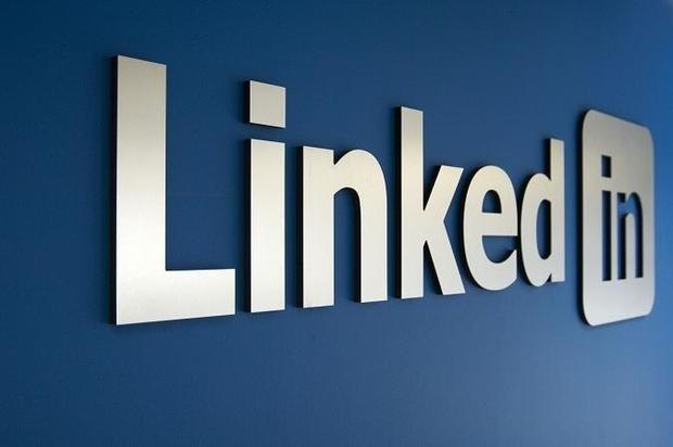 LinkedIn پستهای الکترونیکی شما را میخواند