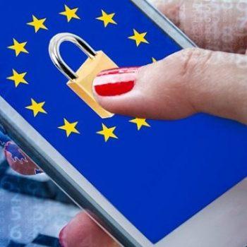 واتس اپ اشتراک گذاری اطلاعات کاربران با فیس بوک را متوقف می کند!